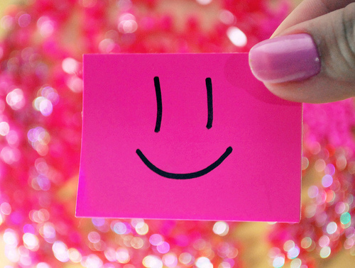 cute-happy-pink-post-it-smile