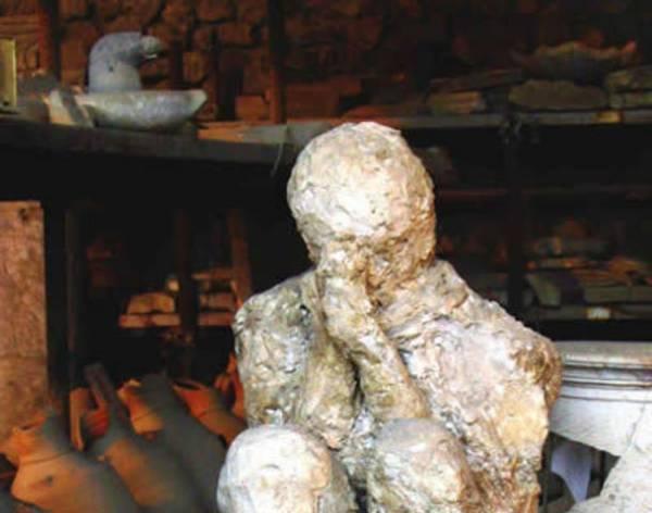 29183914-pompeii-italy