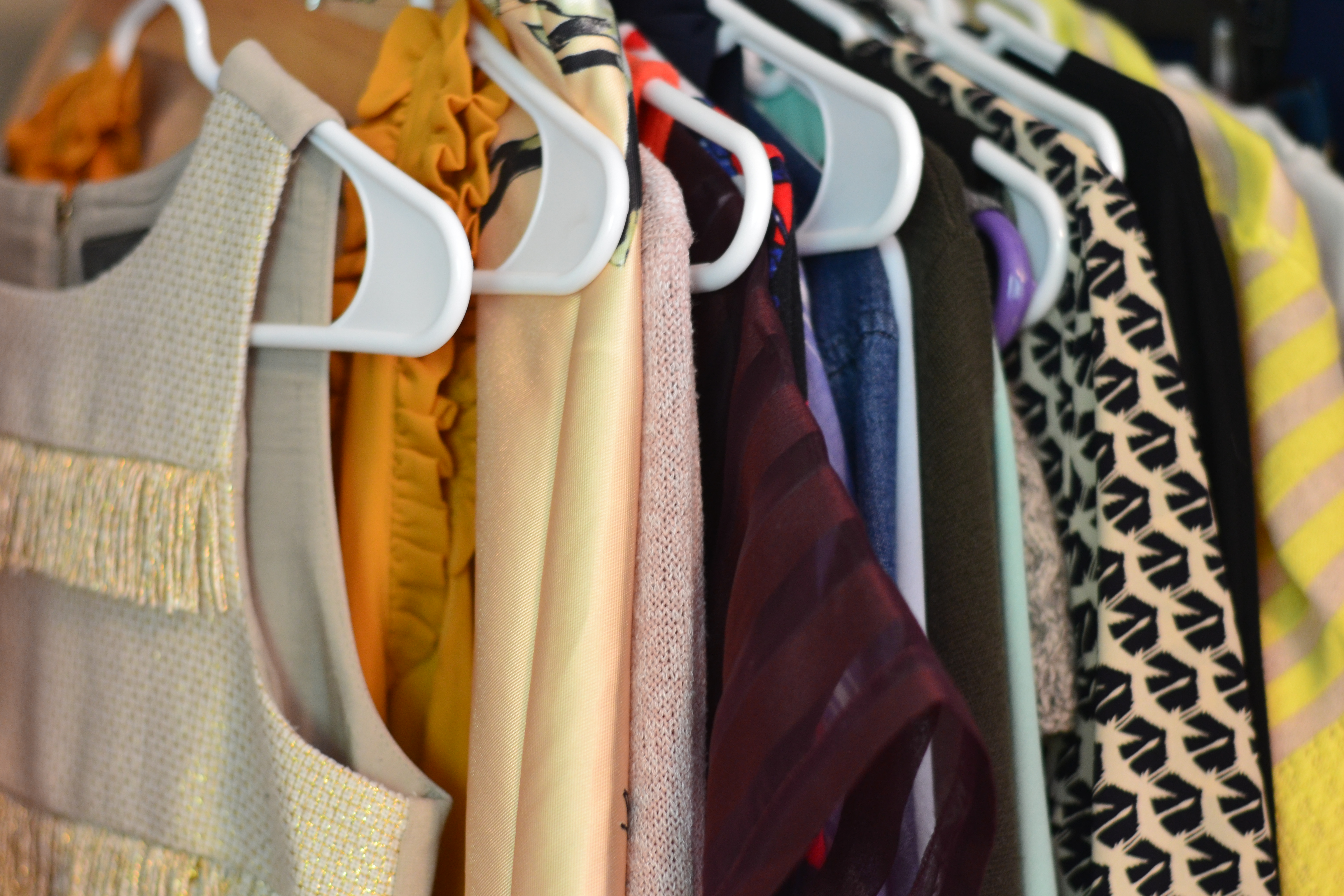 The Average Woman Has Over 120 Items In Her Closet And That Doesnu0027t Include  Shoes, Purses, And Undergarments. Getting Ready In The Morning Can Be A  Little ...